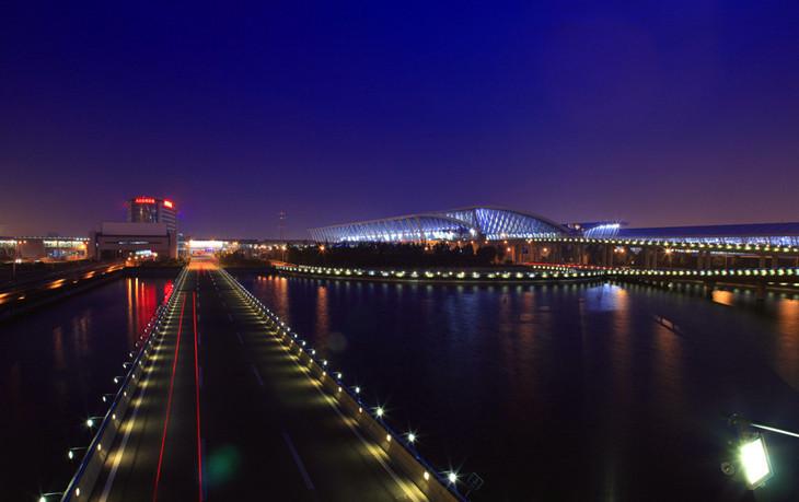 北京机场航空急件夜景